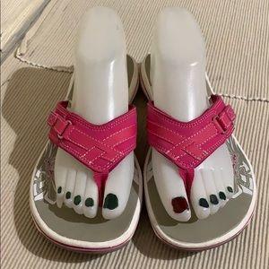 Clarks Pink Leather Flip Flop Sandals Excellent